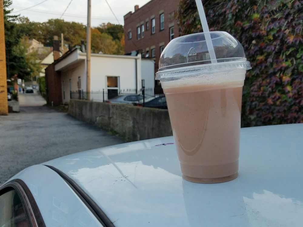 The rear end of the Algebra tea house and a Belfie of my Guava ...