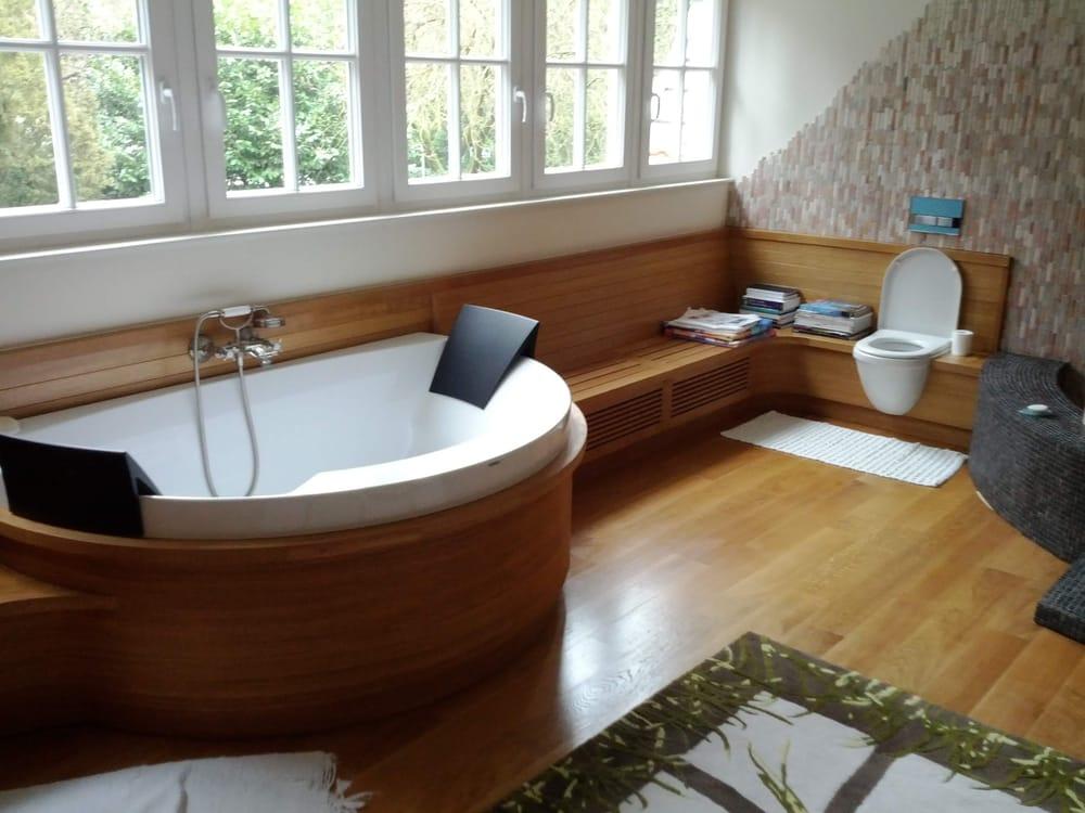 salle de bain habillage de pourtour bain et banquettes cache radiateurs bathroom and banquet. Black Bedroom Furniture Sets. Home Design Ideas