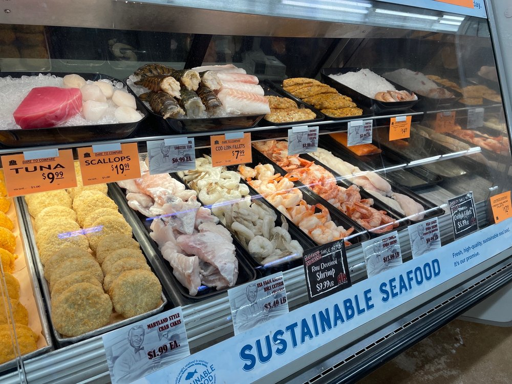 Harter House Supermarket: 326 Eureka Ave, Berryville, AR