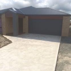 Photo of Pringle Garage Doors - Rowville Victoria Australia. Slim-Line - Monument & Pringle Garage Doors - Get Quote - Garage Door Services - 14 ...