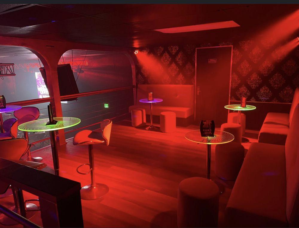 Maya Night Club