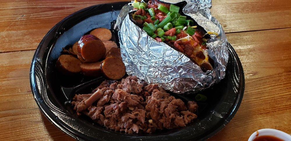 Eddie's Smokehouse & Seafood: 6100 W Calhoun Dr, Alexandria, LA