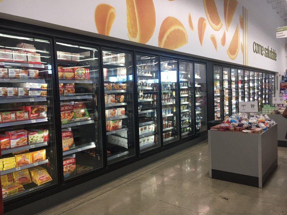 Walgreens: Carretera 2 S/N, Camuy, PR
