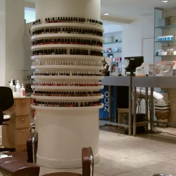 Acqua beauty bar closed 128 reviews spa 7 e 14th for Acqua nail salon