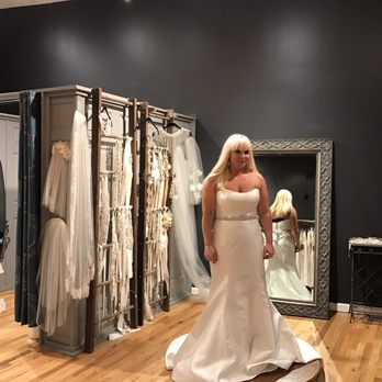 Luna Boutique - 34 Photos & 28 Reviews - Bridal - 616 Beaver St ...