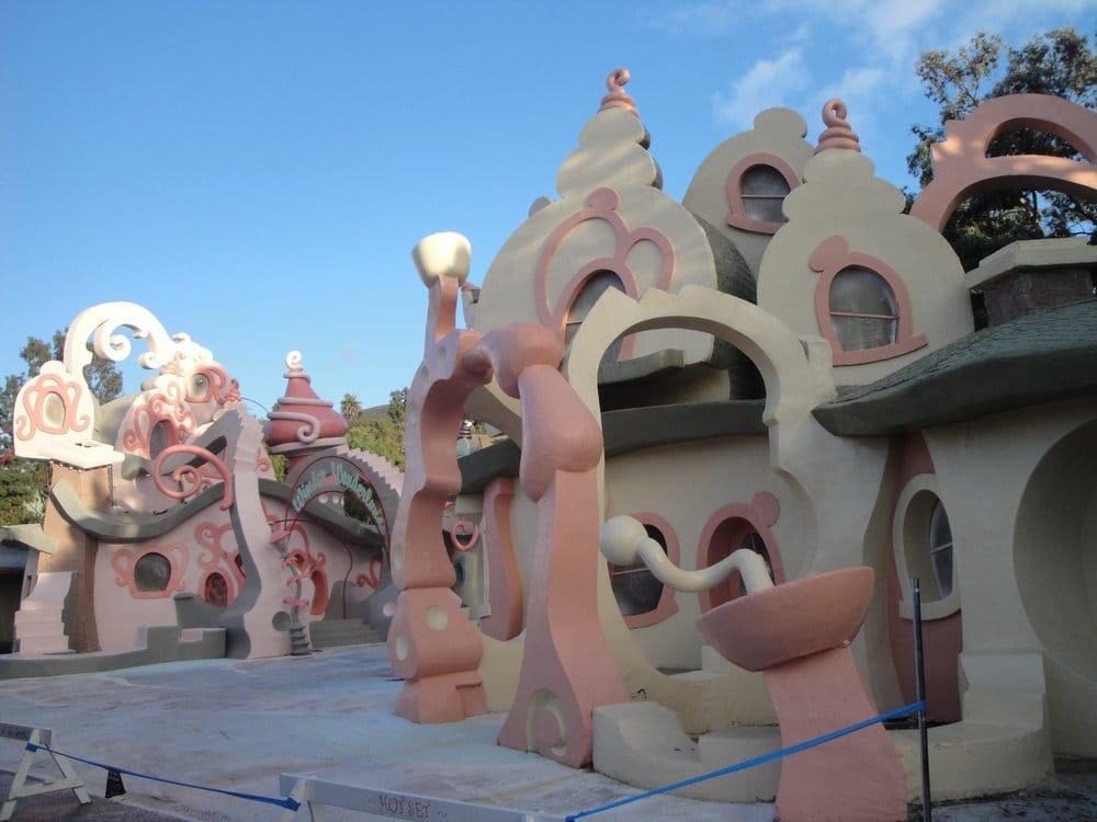 Grinch Universal Studios Tour