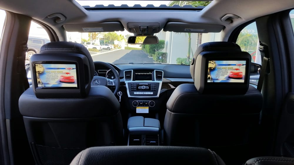Rear Entertainment System in a 2015 Mercedes Benz GL450 - Yelp