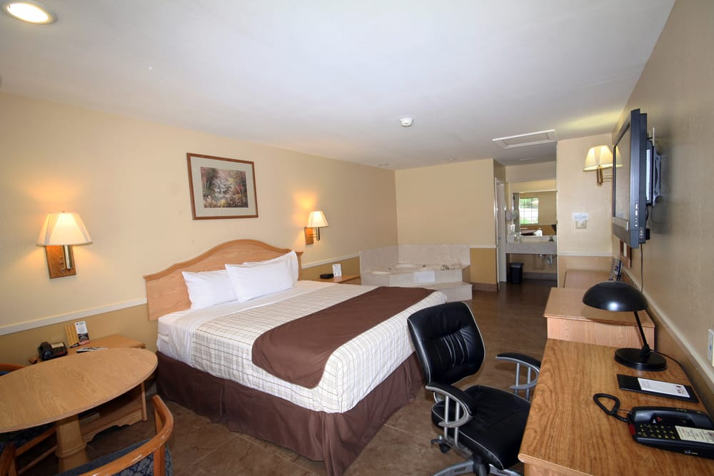 Executive Inn - Edinburg: 2006 S Closner Blvd, Edinburg, TX