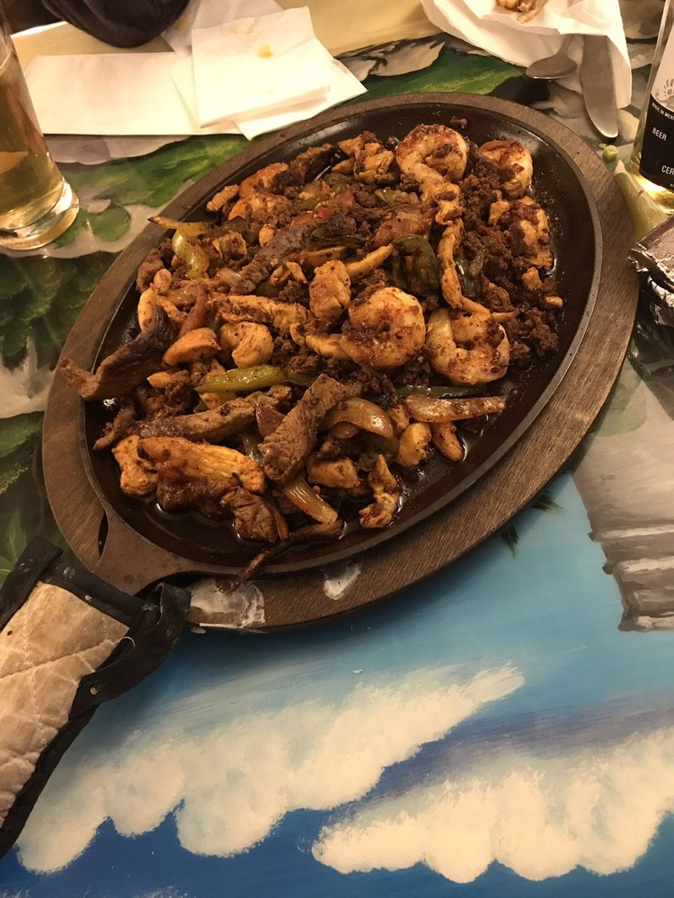 El Vaquero Mexican Restaurant: 721 N Morley St, Moberly, MO