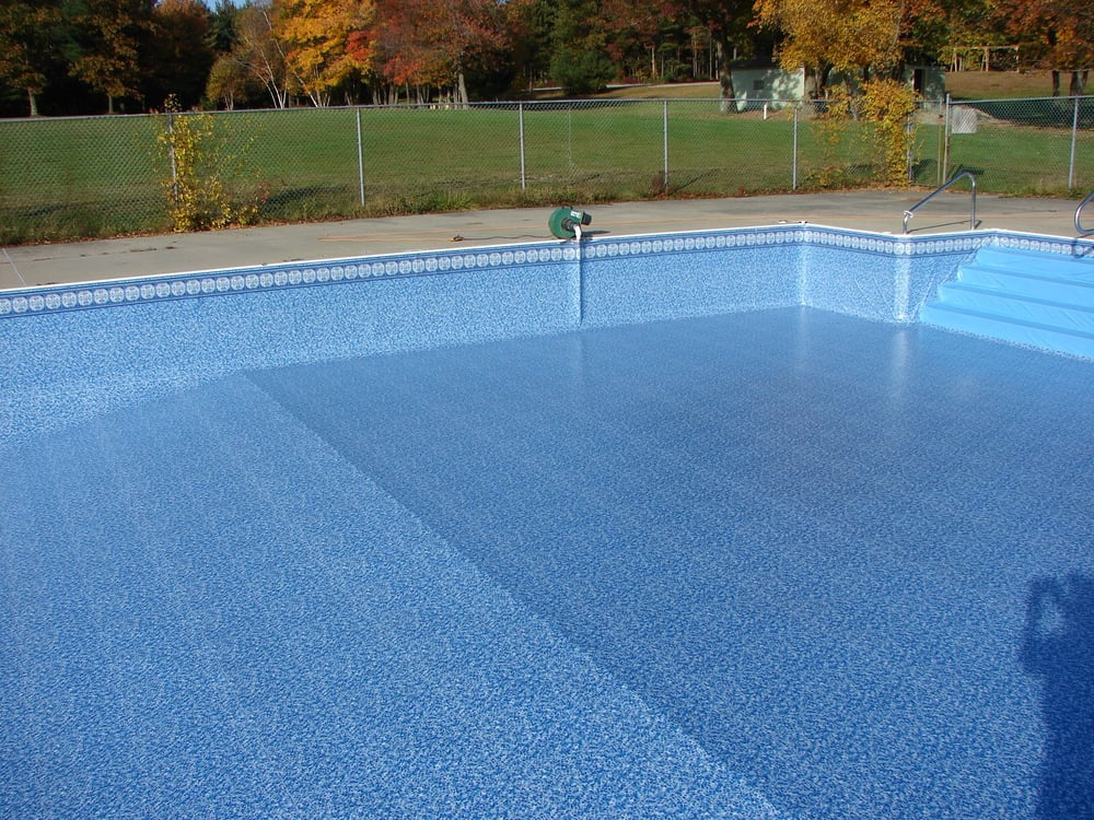 Affordable pools services pour piscines et jacuzzi 192 for Beaver pool piscine