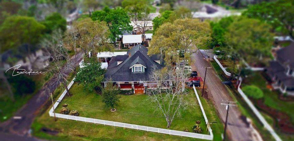 Gibbs Street Manor: 525 Gibbs St, New Waverly, TX