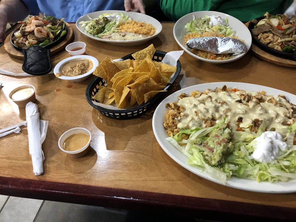 Salsa Azteca: 8928 US-70 Bus, Clayton, NC
