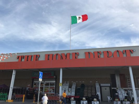 Home Depot in Dallas, 6110 Lemmon Ave. Location, phone ...