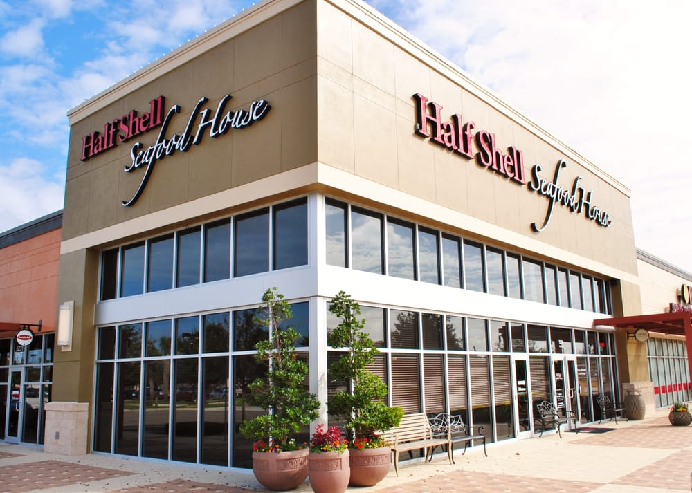 Half shell seafood house 153 photos 147 reviews for Sarasota fish restaurants