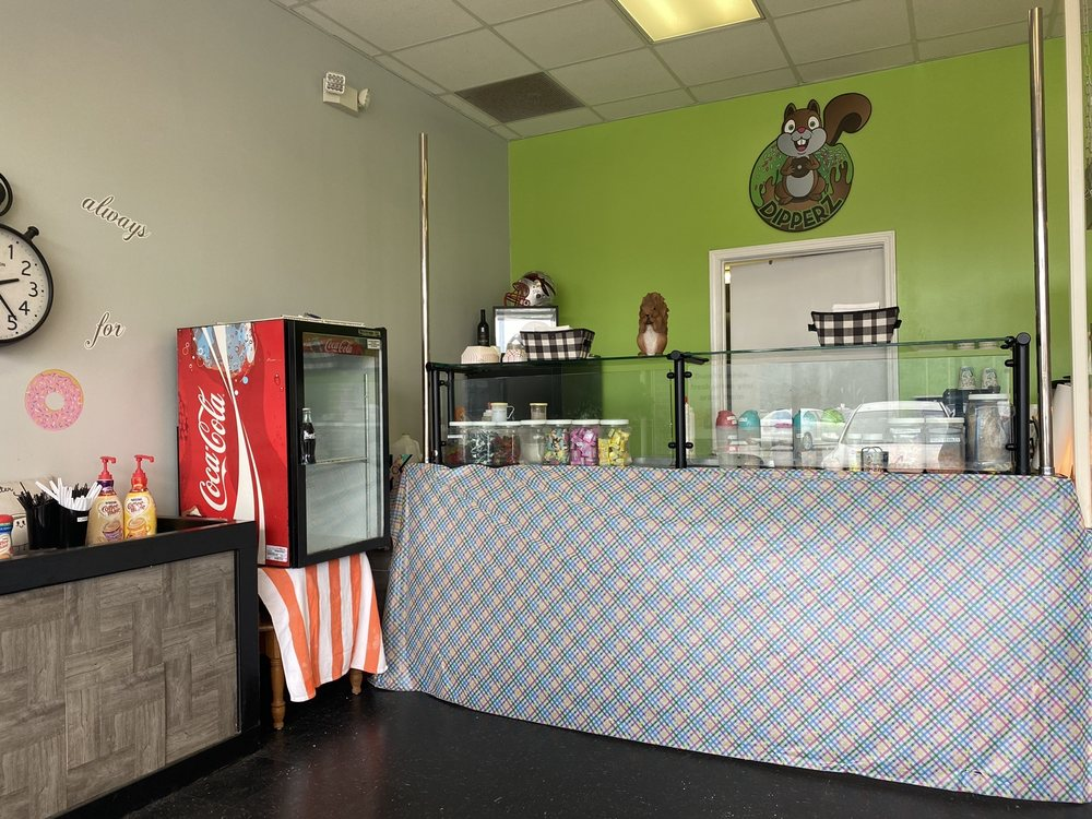 Dipperz Mini Donuts: 2473 Springs Rd NE, Hickory, NC