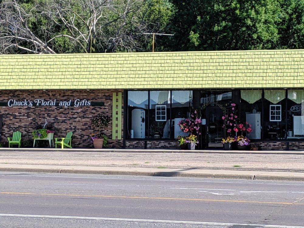 Chuck's Floral Co.: 305 Cokato St W, Cokato, MN