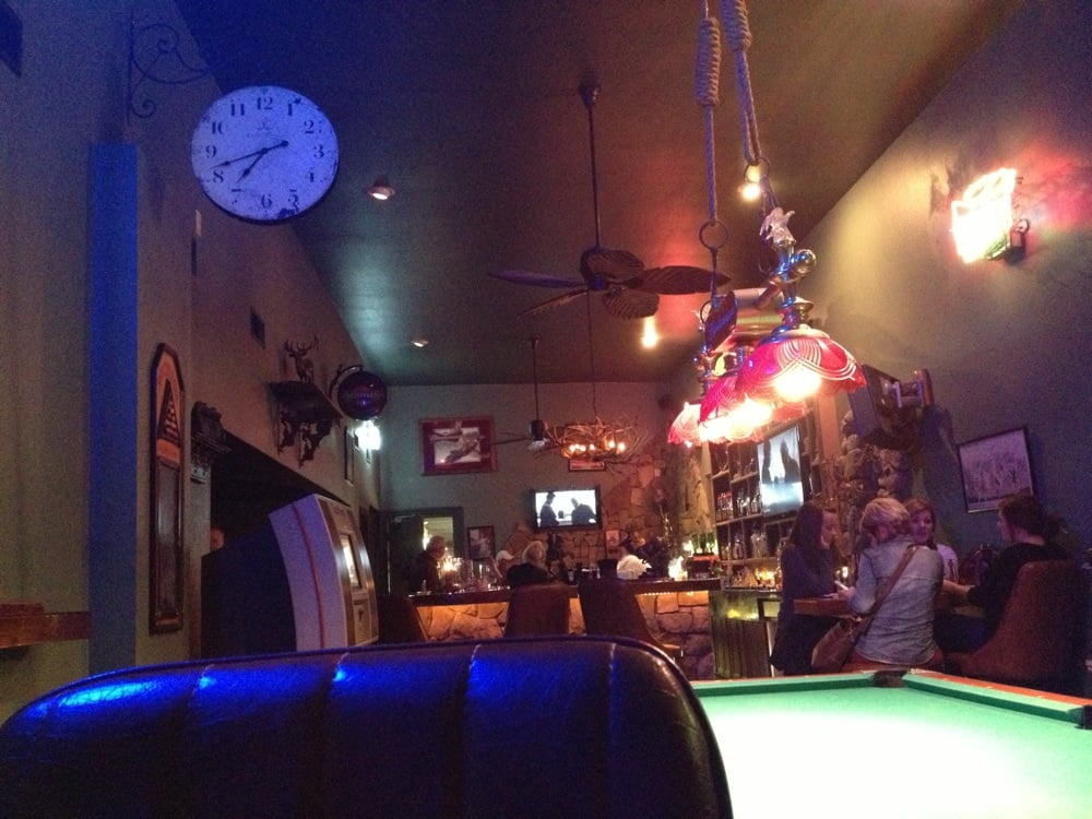 Crossroads Bar & Grill: 500-598 N College St, Princeton, MO