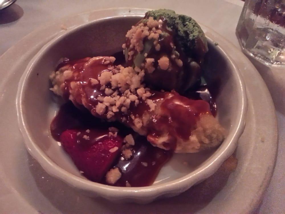Customized dessert warm banana sundae with green tea ice for Flying fish carmel