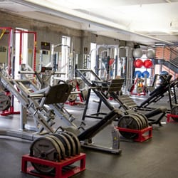 Gold's Gym - CLOSED - 28 Photos & 90 Reviews - Gyms - 1893 ...