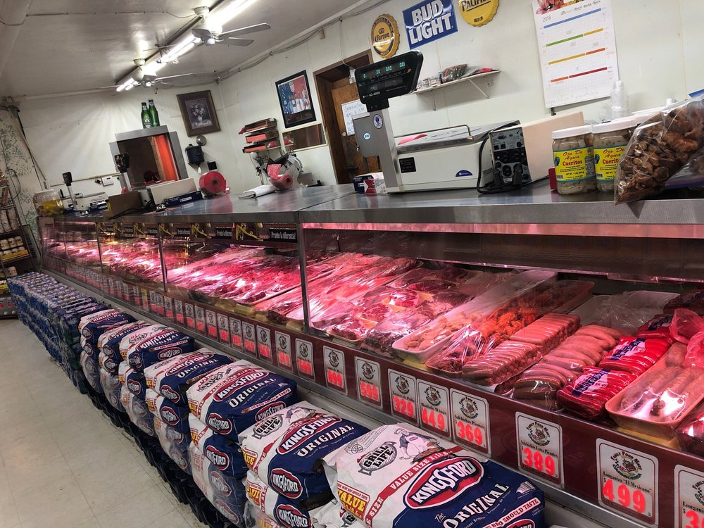 Family Food Mart: 138 E 1st St, Buttonwillow, CA