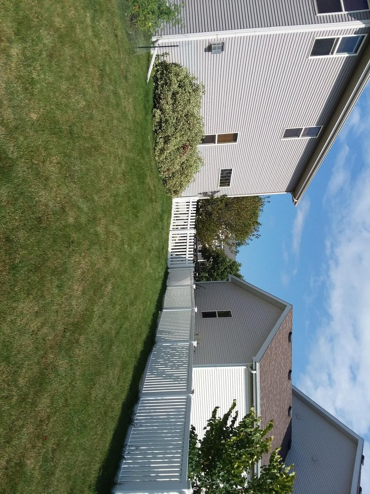 Ideal Fence of Madison: 4570 Baxter Rd, Cottage Grove, WI