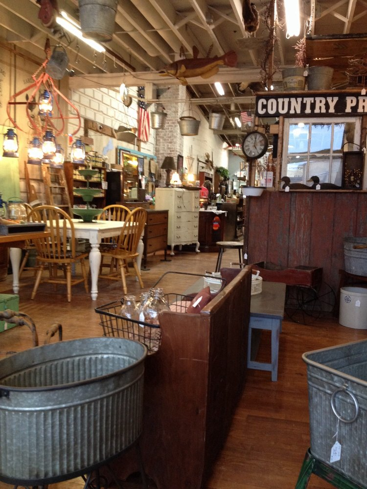 Country Hearth Primitives: 3937 Broadway, Grove City, OH