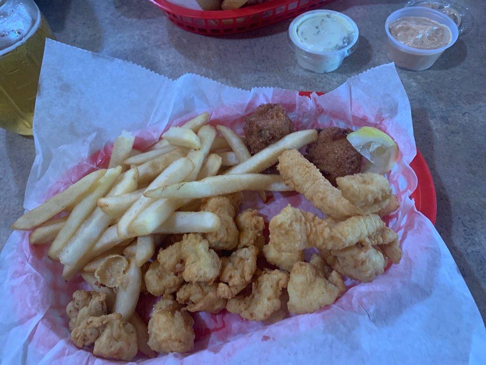 Catfish Johnny's: 2396 N Hwy 470, Lake Panasoffkee, FL