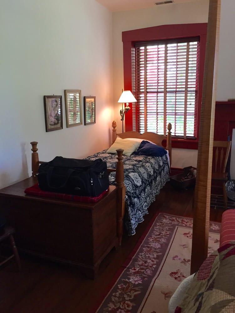 Tucker House Bed & Breakfast