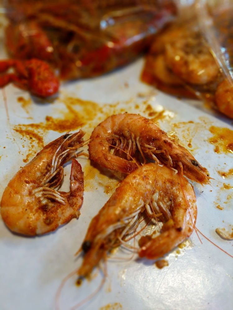The Boiling Crab: 23397 Mulholland Dr, Woodland Hills, CA