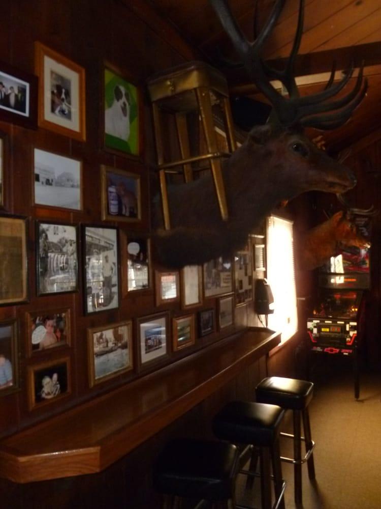 Buckhorn 26 photos 21 reviews bars 615 petaluma for Food bar petaluma