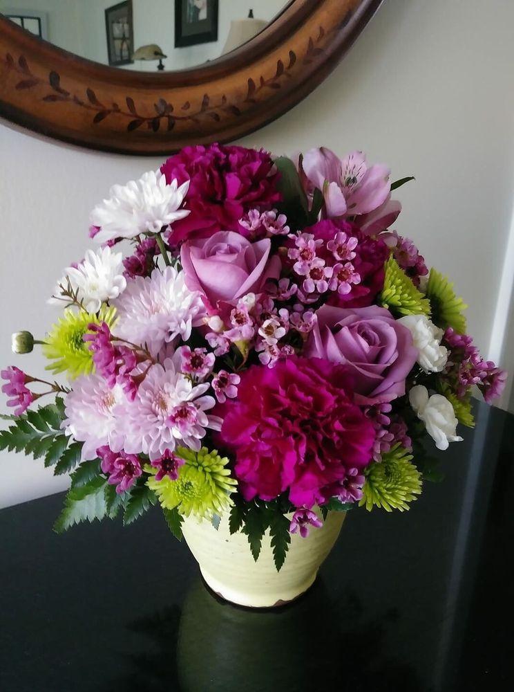 Berwyn's Violet Flower Shop: 6704 16th St, Berwyn, IL