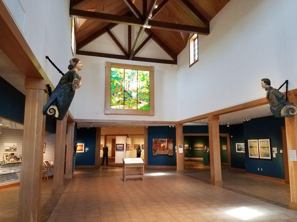 Minnesota Marine Art Museum: 800 Riverview Dr, Winona, MN