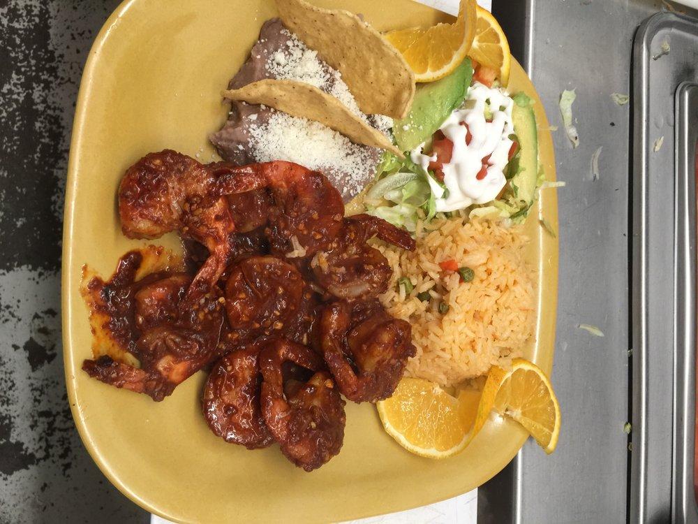 Coco's Restaurante: 910 Goshen Ave, Elkhart, IN