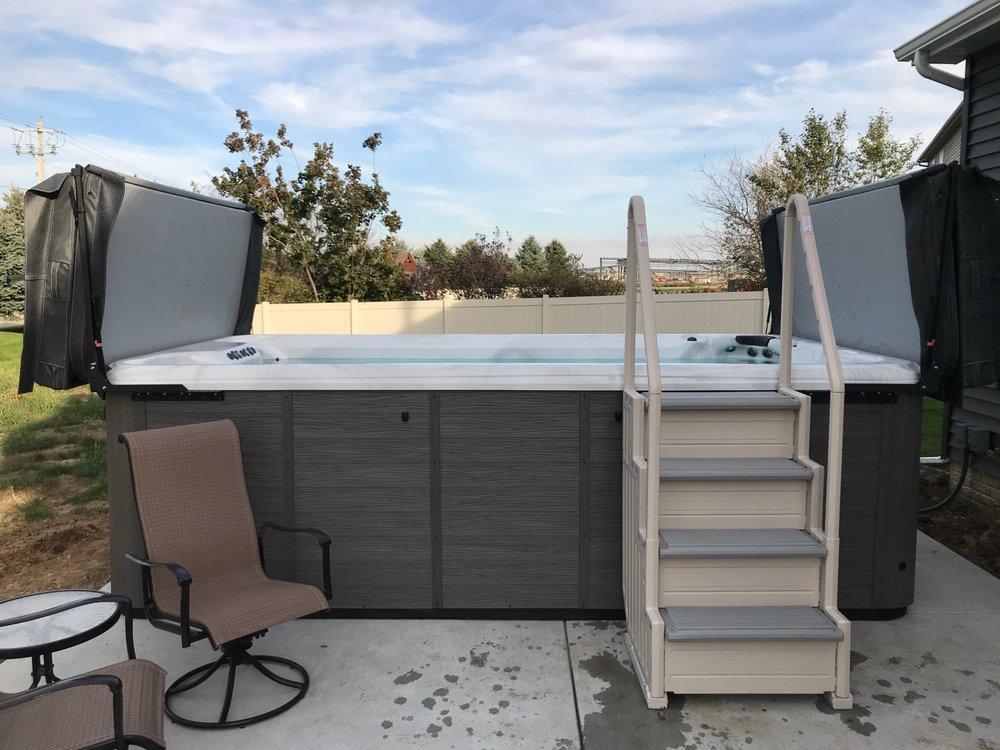 Backyard Pool & Patio: 2401 1/2 E Empire St, Bloomington, IL