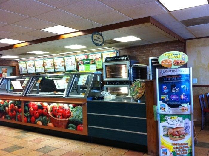 Subway: 760 Wayne Rd, Savannah, TN