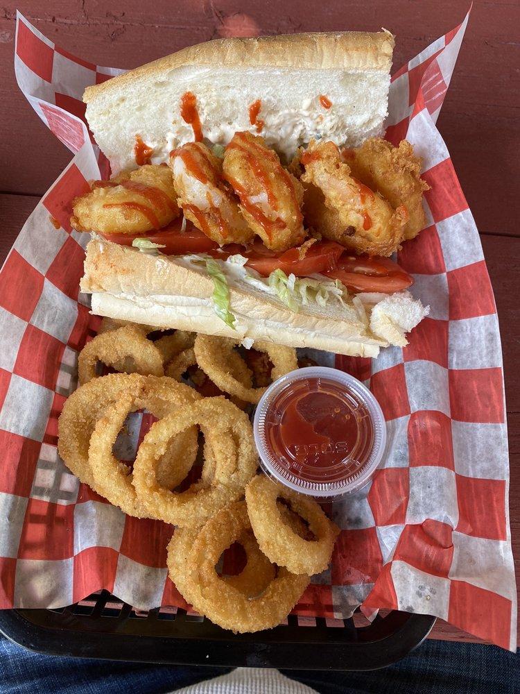 Roadhouse Grille: 13 Cross Rd, Uxbridge, MA