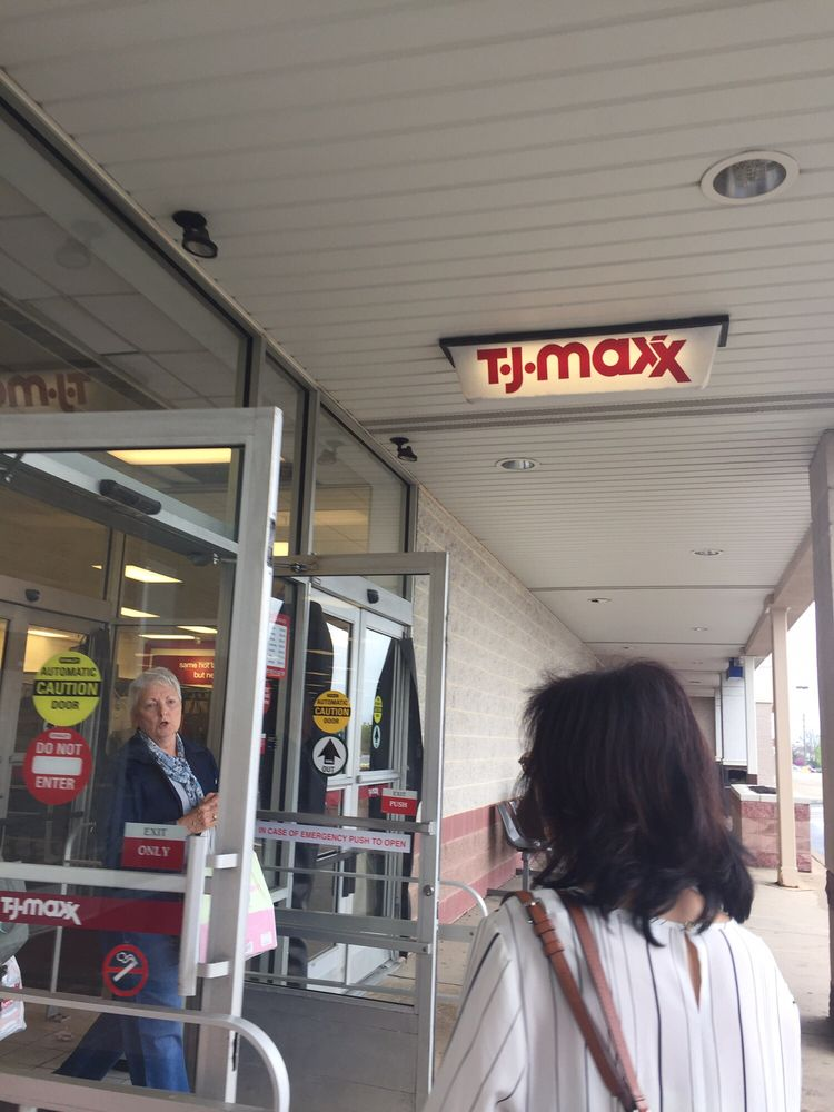 Photo of TJ Maxx: Wyomissing, PA