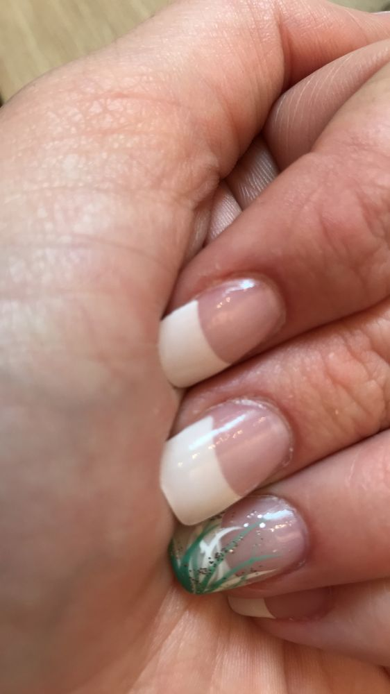 Closer look at bubbling in nails but a little hard to make out ...