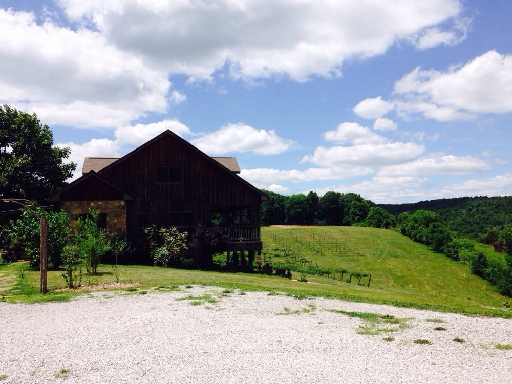 Cedar Creek Vineyards: 294 Cedar Creek Ln, Somerset, KY
