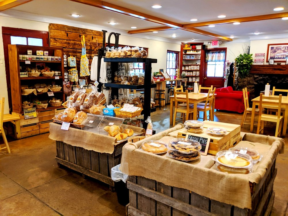 Wolff's Applehouse: 81 S Pennell Rd, Media, PA