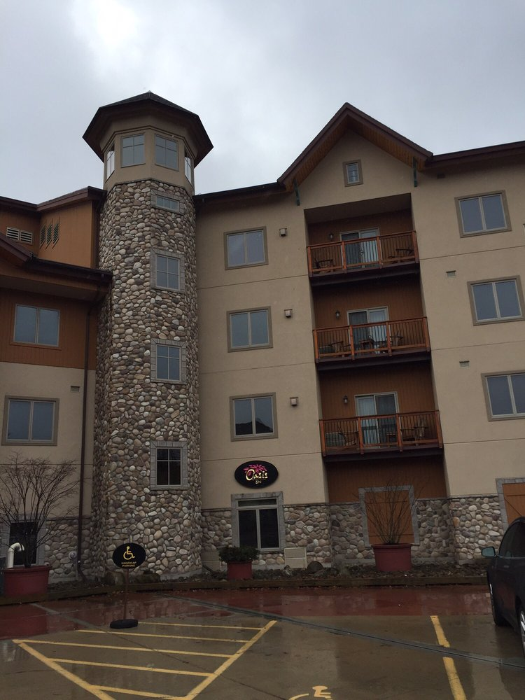 Tamarack Club: 6447 Holiday Valley Rd, Ellicottville, NY