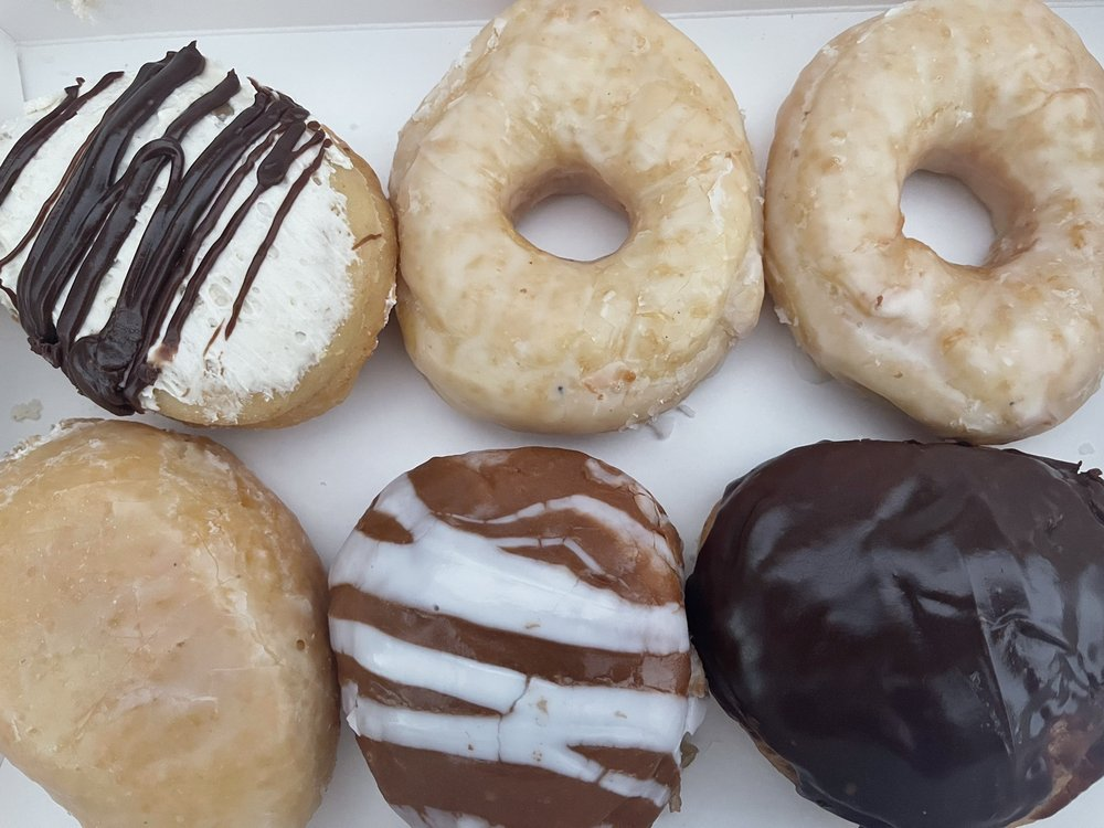 Beiler's Doughnuts: 12613 Wisteria Dr, Germantown, MD