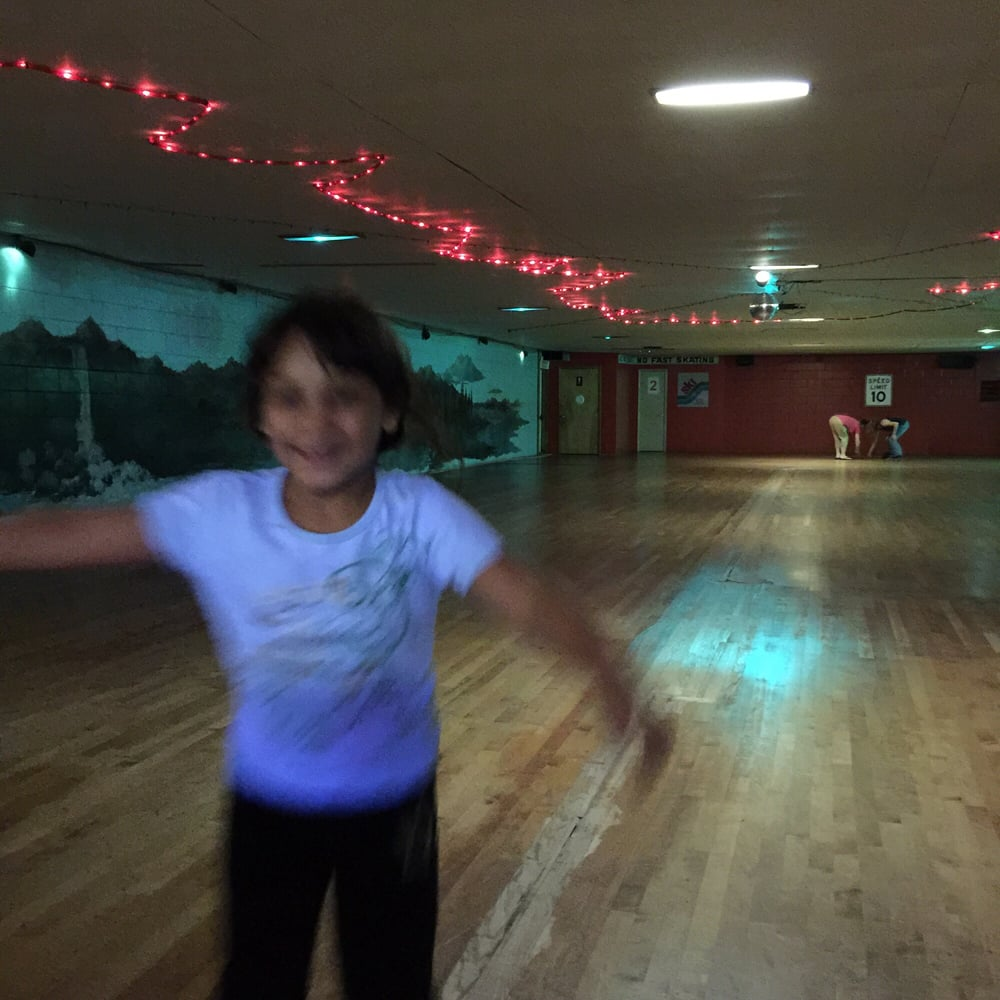 Wabash Roller Rink: 647 E Chestnut St, Louisville, IL