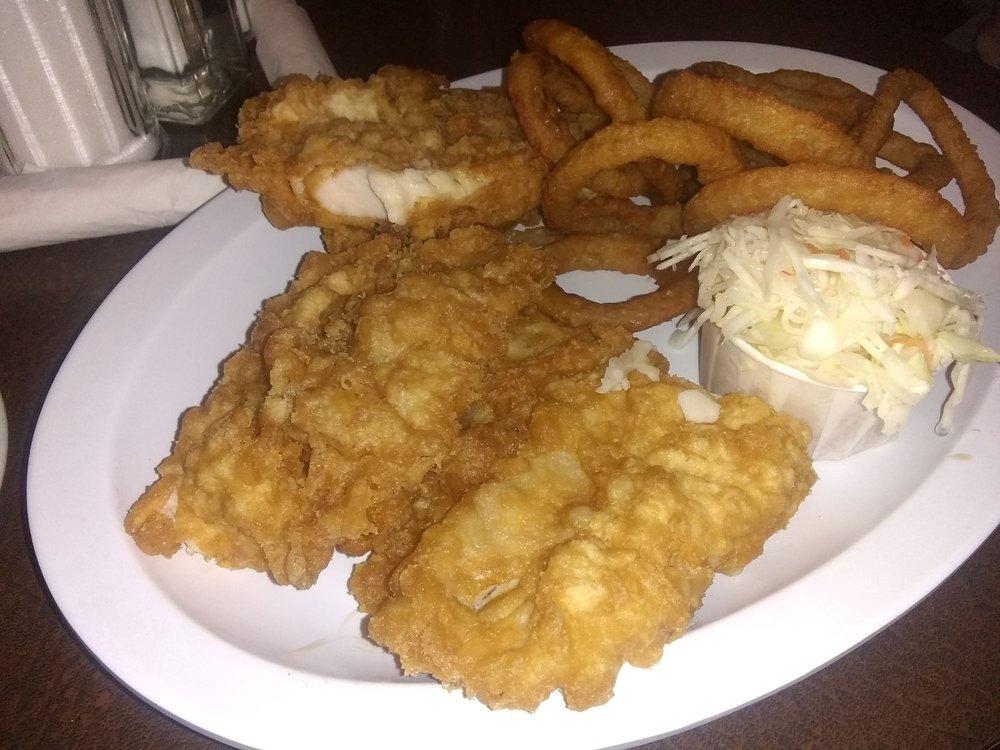 Sir Cedric's Fish & Chips: 468 University Avenue W, Windsor, ON