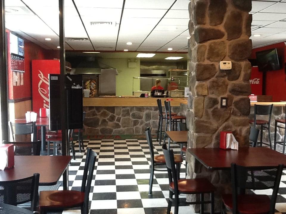 Cherryville Pizza & Pub: 4209 Lehigh Dr, Cherryville, PA