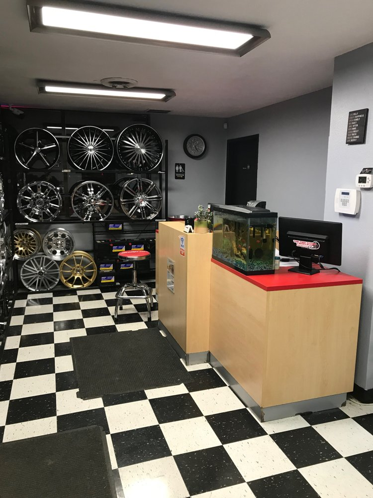 The Tire Store & Services: 955 W 3rd Ave, Moses Lake, WA