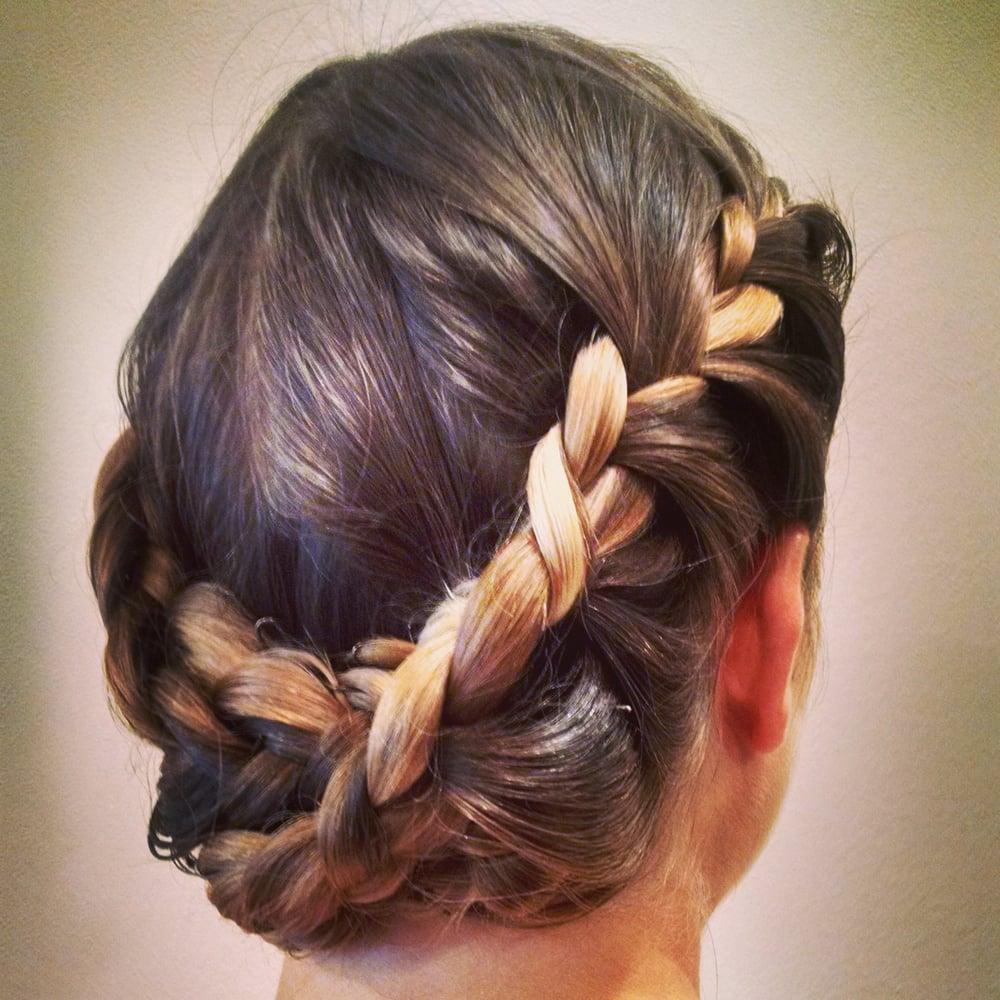 Regine s coiffure coiffeurs salons de coiffure for Samantha oups au salon de coiffure