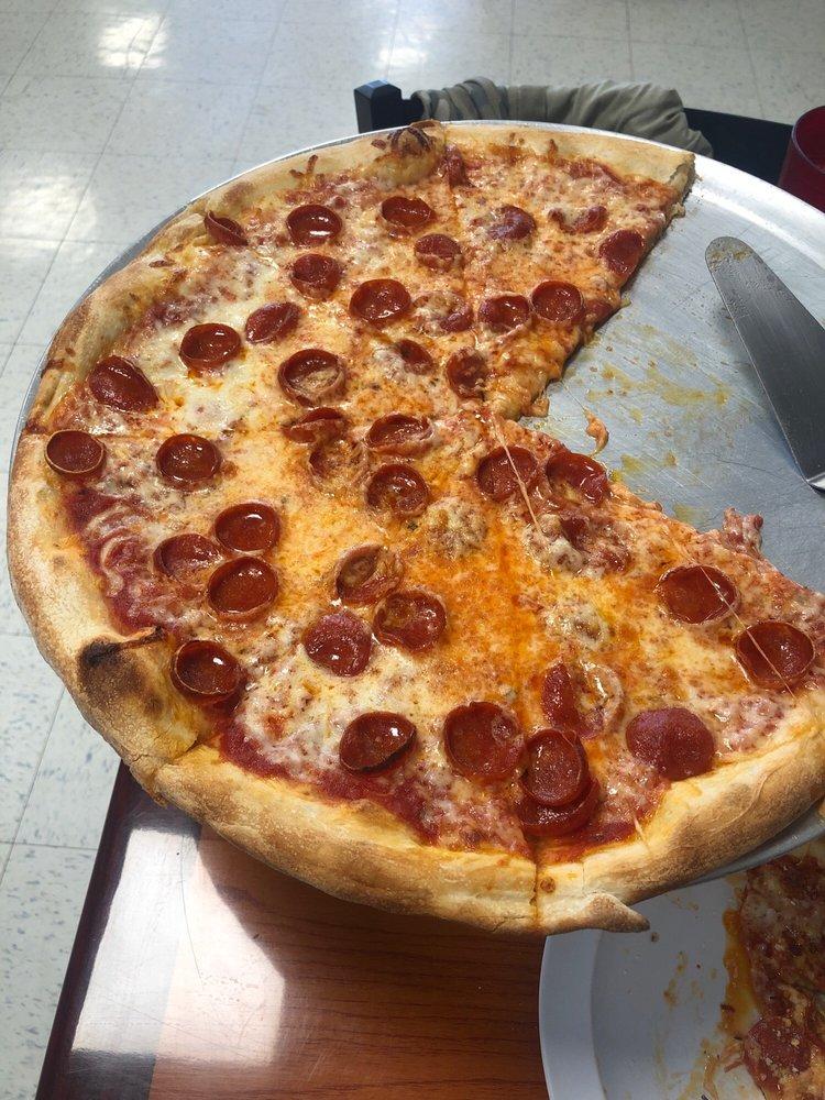 Giovannas Italian Restaurant: 4171 Lee Jackson Hwy, Greenville, VA