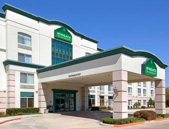 ... Suites Arlington - Hotels - Arlington, TX - Reviews - Photos - Yelp