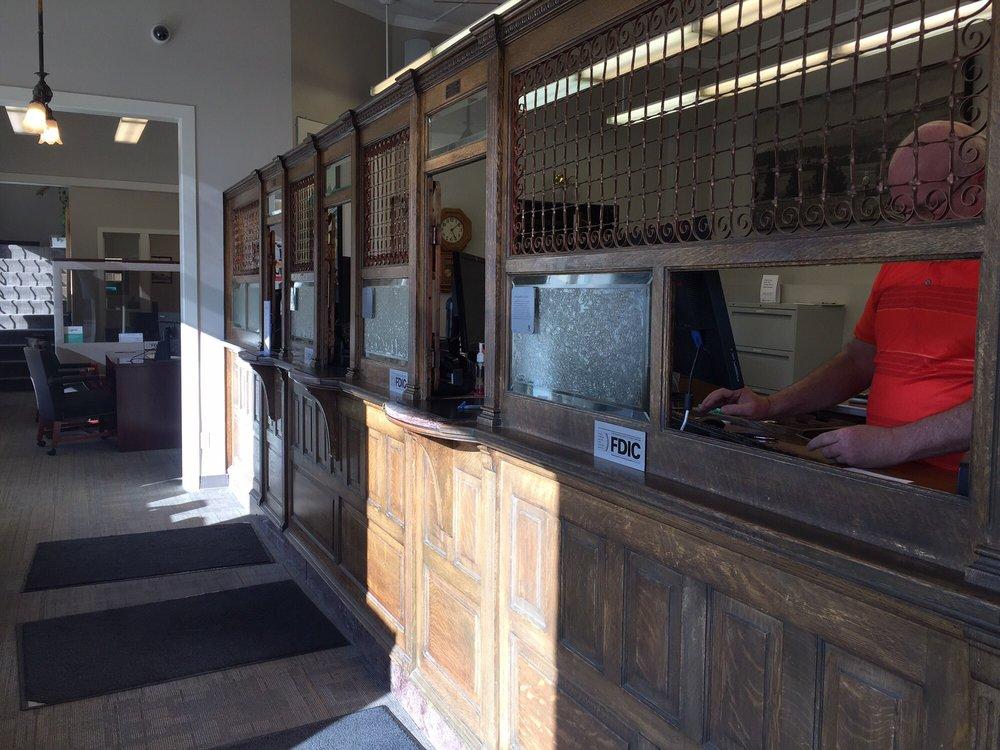 Umpqua Bank: 201 East First Street, Cle Elum, WA